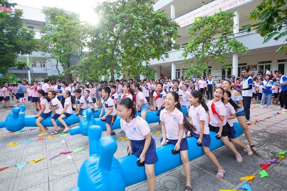 Cảm xúc trong lễ bế giảng của học sinh Hà thành